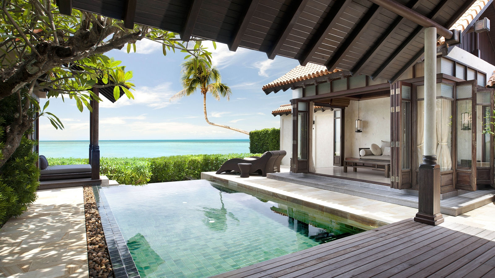 Luxury resort ocean front pool villa at le meridien koh for Koi pool villa koh tao